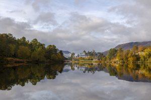 An autumn day on Loch Affric